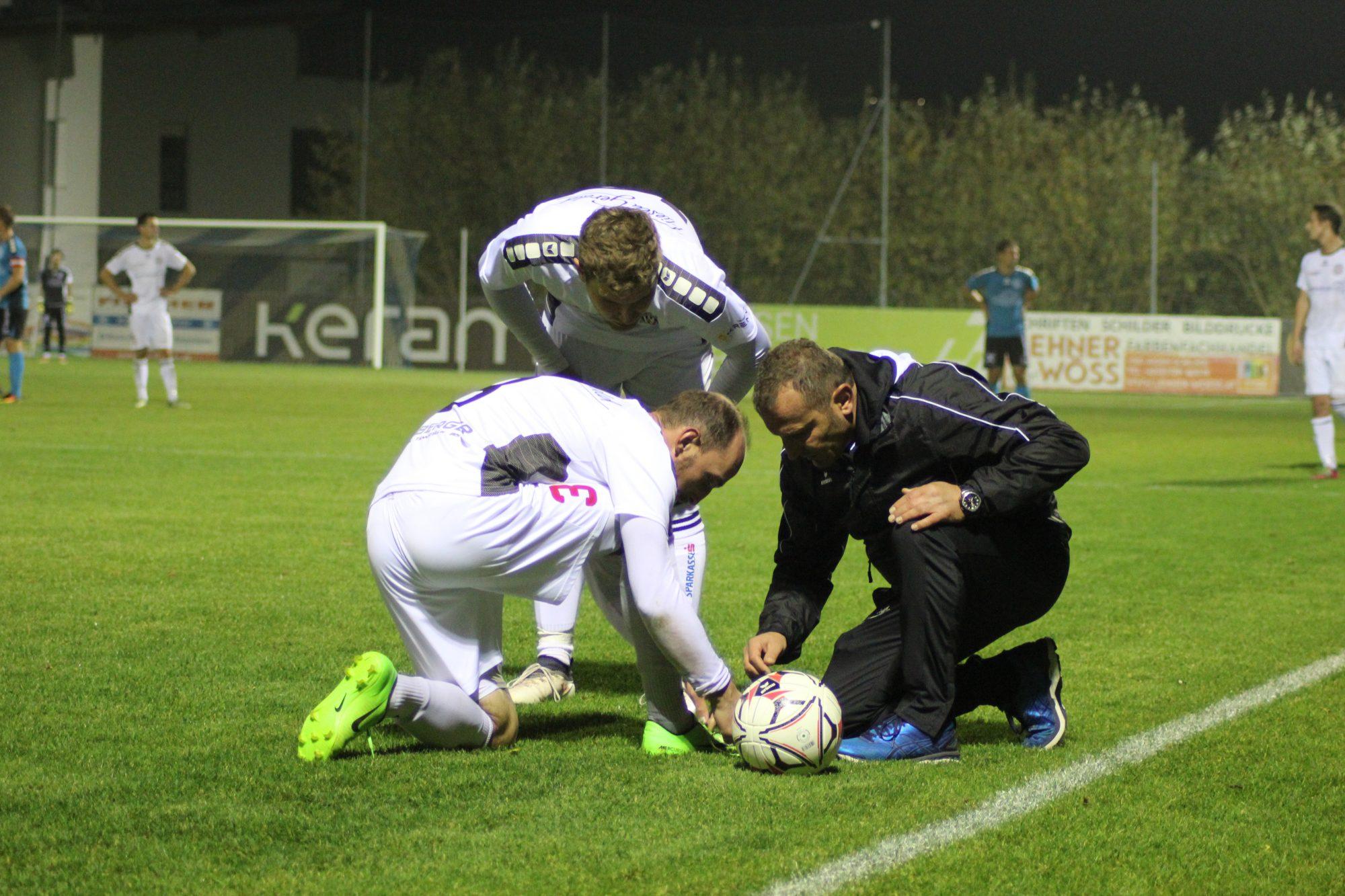Obwohl Tomas Rehak so seine Probleme mit dem eigenen Schuhwerk hatte, hielt er seine Hintermannschaft über 90 Minuten zusammen